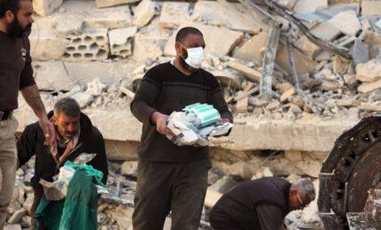 Ospedale distrutto da due attacchi aerei, 5 morti tra cui bimbo