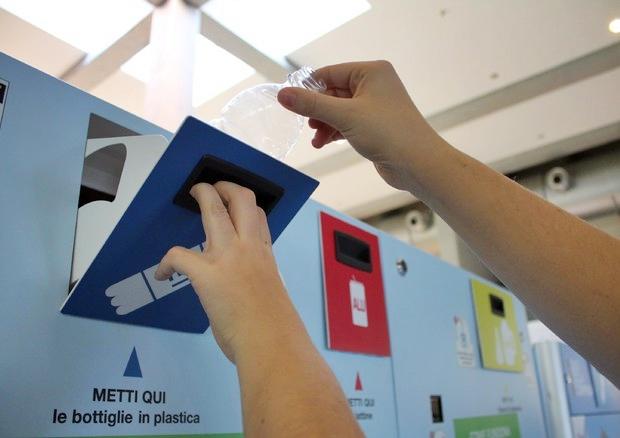 In arrivo la tassa su plastica, pronta la proposta della Commissione Ue
