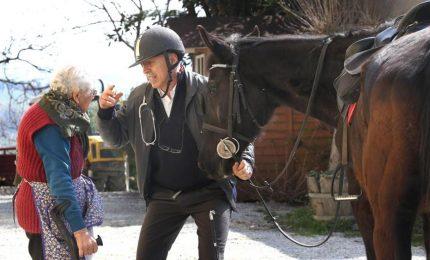In Piemonte il medico di altri tempi che visita a cavallo
