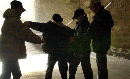 Baby-gang, arrestati 8 minorenni che pestarono un coetaneo