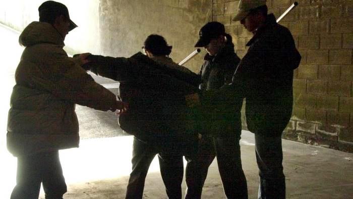 Bullismo, arrestati due studenti minorenni nel Chietino