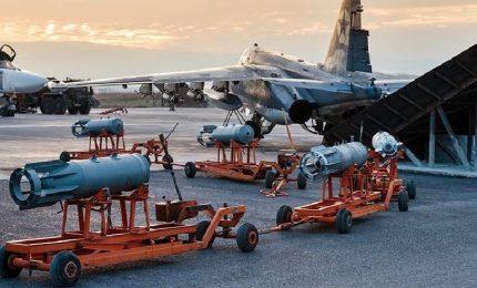 Bombardamenti in Siria, altri 13 morti di cui 3 bambini. Mosca invia i nuovi caccia, gli Usa condannano gli attacchi Ghuta