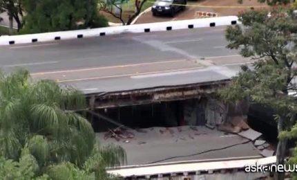 Brasilia, crolla un tratto della strada principale della città