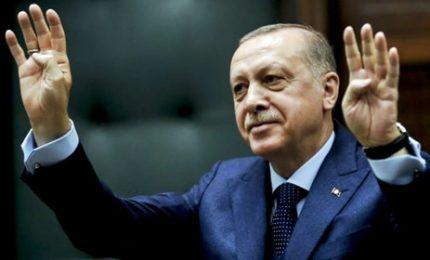 """La lira sprofonda, UniCredit e Bnp Paribas particolarmente esposte. Erdogan: """"Lotta nazionale"""""""