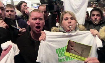 Macron fischiato al Salone dell'agricoltura a Parigi