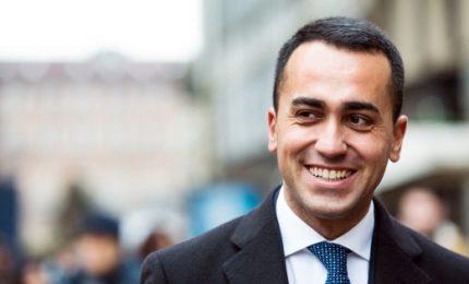 """Di Maio difende """"super squadra"""", ancora mistero su dati parlamentarie"""
