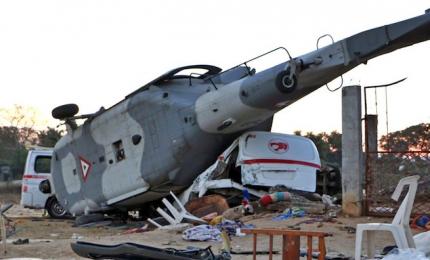 Elicottero si schianta in fase di atterraggio, 13 morti. Ministro salvo