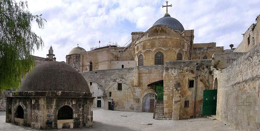 Gerusalemme cede su tasse, domani riaprirà chiesa S. Sepolcro