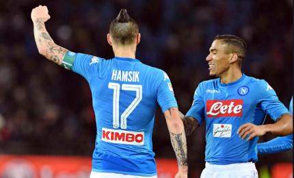 Goleada Napoli, 5 gol al Cagliari. La squadra di Sarri vola