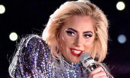 Lady Gaga annulla 10 concerti in Europa per dolori muscolari