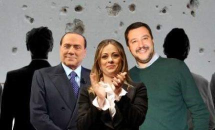 """Salvini e Meloni in allarme per """"fughe"""" da FI, ma Berlusconi rassicura"""