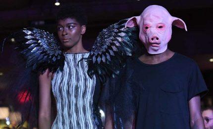 New York Fashion Week, il movimento #metoo sale in passerella