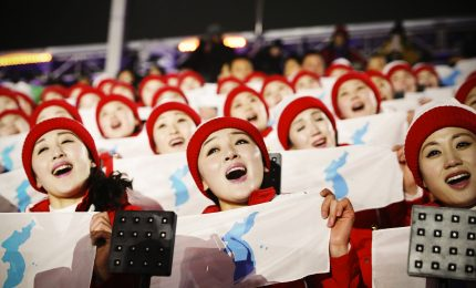 Pyeongchang 2018, le cheerleader nordcoreane in azione