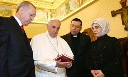 Erdogan a Roma: un'ora dal Papa, poi Colle e Palazzo Chigi. Nessuna dichiarazione