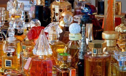 Dall'antico Egitto a oggi, la storia del profumo in una mostra