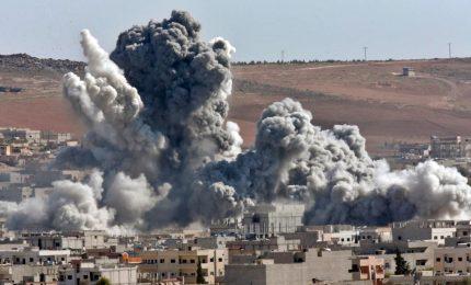 Sempre guerra in Siria: almeno 77 civili uccisi dai bombardamenti, tra cui 20 bambini