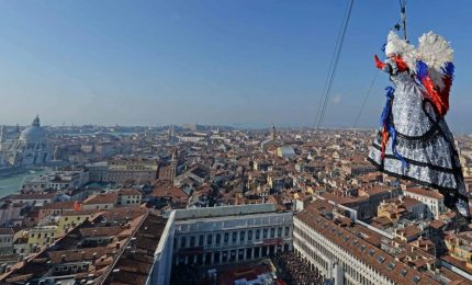 Il volo dell'angelo apre il Carnevale di Venezia blindato