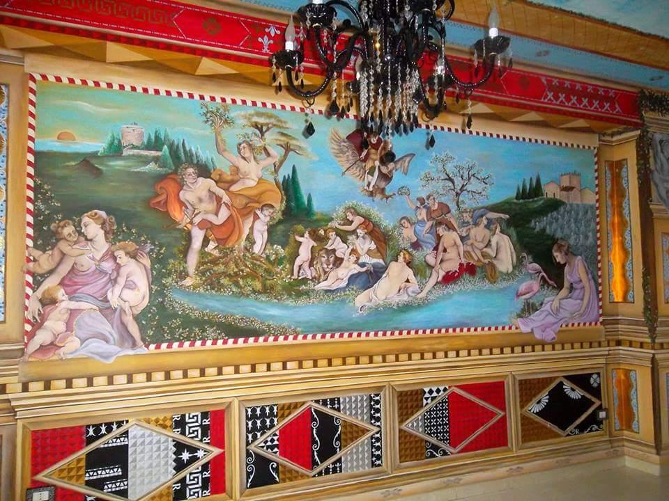 Gli affreschi di Mariella Ricca, quando l'arte diventa complemento d'arredo