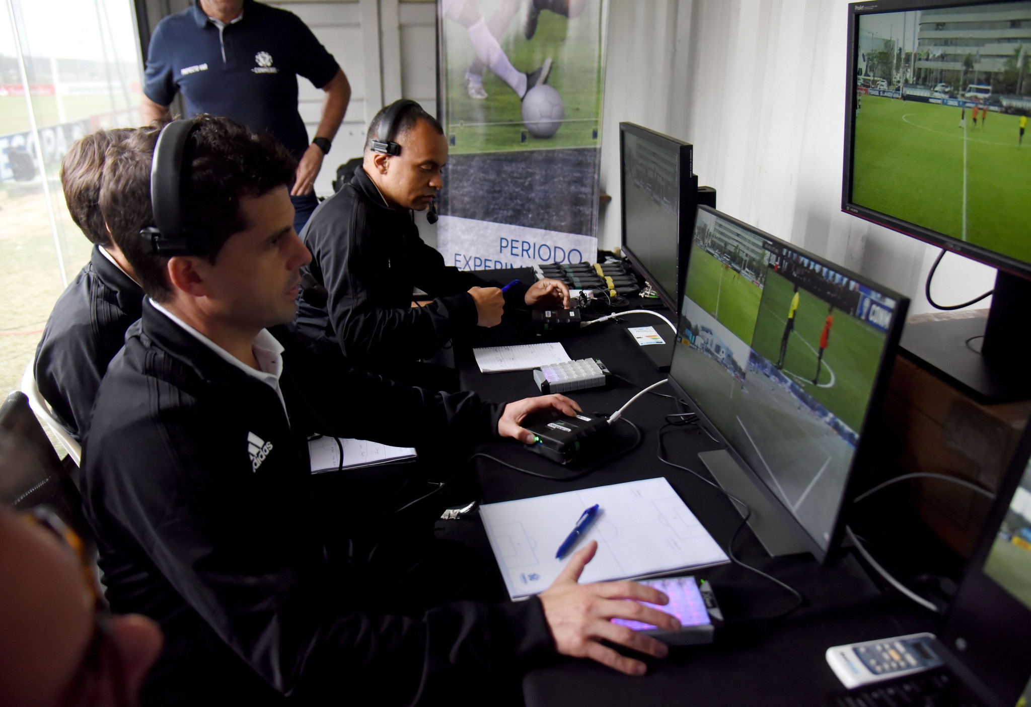VAR, l'IFAB dà l'ok. Possibile utilizzo al Mondiale: parola alla FIFA