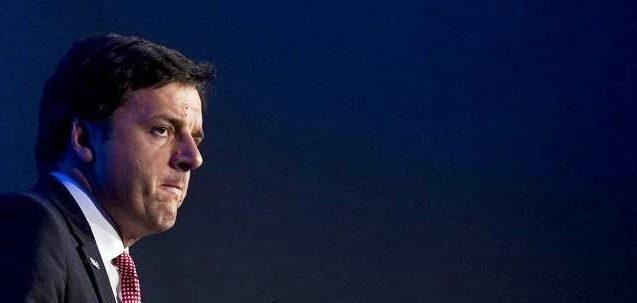 Renzi si sveglia e riscopre la piazza