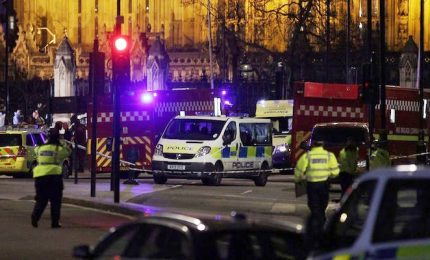 Londra ricorda attacco ponte di Westminster di un anno fa