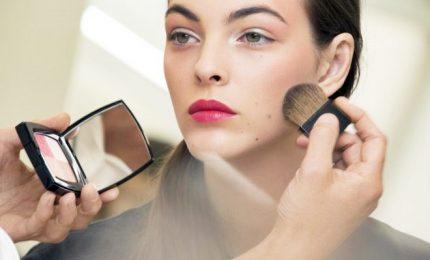 Make-up, l'orofa veramente magie. Ecco come