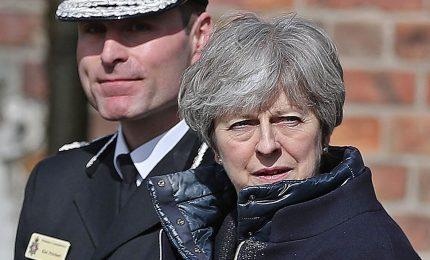 Appello di May a unità Tory in fase più delicata dei negoziati