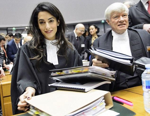 Amal Clooney difenderà i giornalisti Reuters detenuti in Myanmar