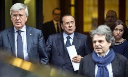 Berlusconi scommette sull'appoggio del Pd