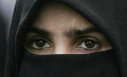 Fatima, sfuggita al gruppo islamico armato Boko Haram cerca l'amica del cuore