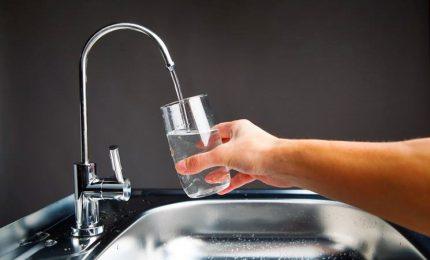Una famiglia su 3 non si fida dell'acqua del rubinetto