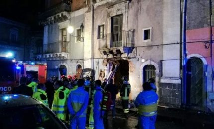 Esplosione a Catania: tre le vittime, due sono vigili del fuoco