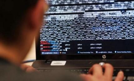 Hacker pubblica numeri di telefono Di Maio, Bonafede e Toninelli