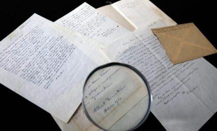 Una lettera di Einstein venduta per oltre 100 mila dollari. L'acquirente è rimasto anonimo