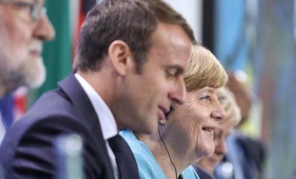 "Macron-Merkel, rifondiamo l'Ue. Occhi puntati sull'Italia: ""Crescono posizioni estreme"""