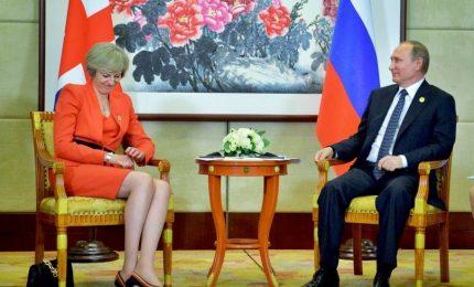 Gran Bretagna, May prepara misure contro Putin. Cremlino convoca suo ambasciatore