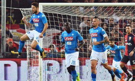 Napoli batte Genoa e riapre il campionato