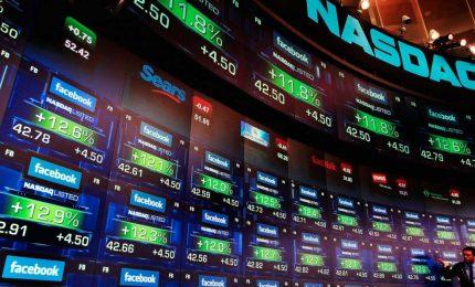 Inchieste in Usa e Gb su Facebook, nuovo tonfo a Wall Street