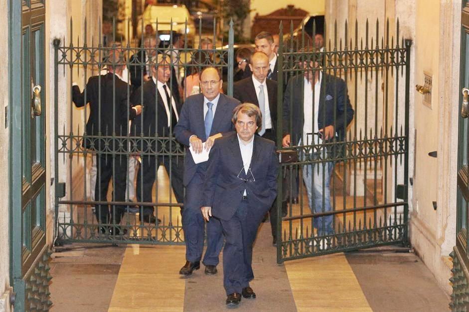 Berlusconi chiama Governo Presidente: basta veti, ora tutti insieme