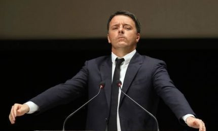 Renzi prepara resa dei conti: Conte sbaglia, ma accetto sfida in Aula. Premier crolla nei sondaggi