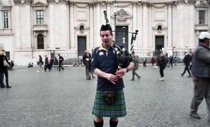 Uomini in kilt e cornamusa, è invasione scozzese a Roma
