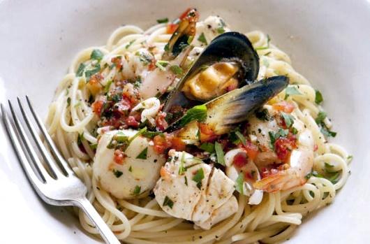 Pasqua, per 6 italiani su 10 Venerdì Santo di pesce. I consigli