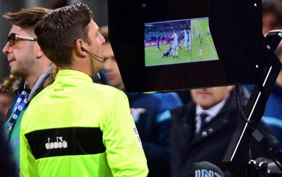 """Calcio, dal prossimo anno Var solo in """"casi eclatanti"""""""