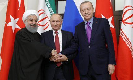 Vertice Siria, foto di famiglia con Erdogan, Putin e Rohani