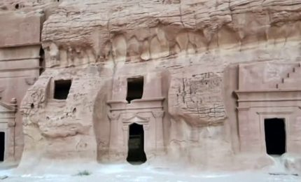 Benvenuti ad Al-Ula, una nuova Petra nel deserto saudita