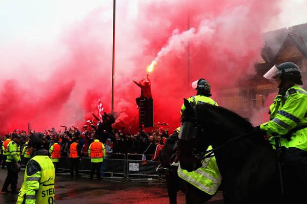 I 2 ultrà della Roma detenuti a Liverpool in isolamento