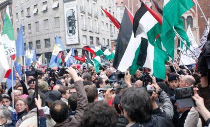 Corteo 25 aprile, a Milano contestazioni a Israele