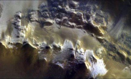 Il cratere Korolev, prime spettacolari immagini di Marte da ExoMars