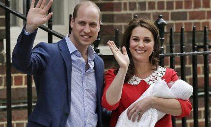 Il terzo royal baby è maschio, il debutto davanti ai fotografi