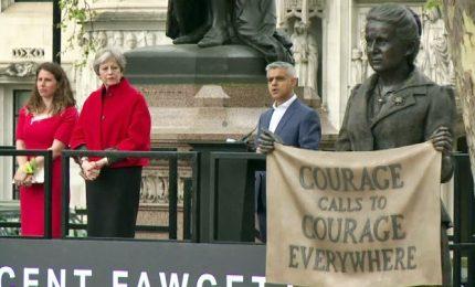 Inaugurata la prima statua di donna davanti a Westminster
